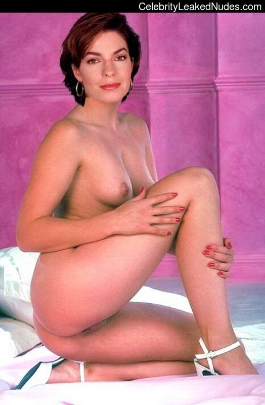 Ann Ward  nackt