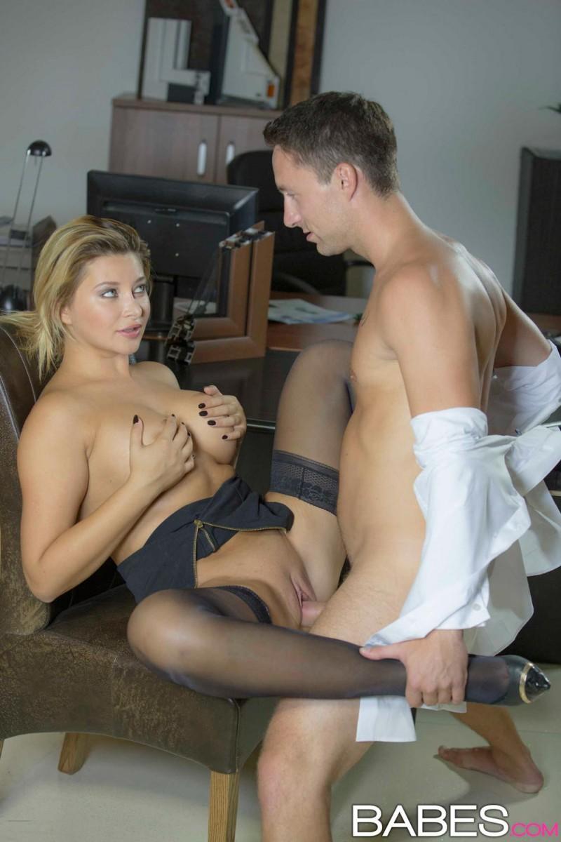 skinny blonde porn