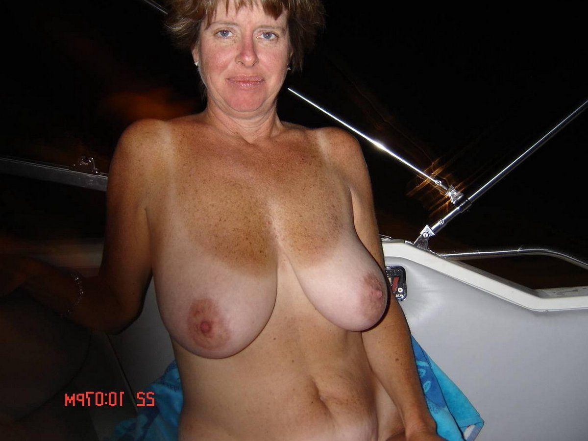 nude daughter see