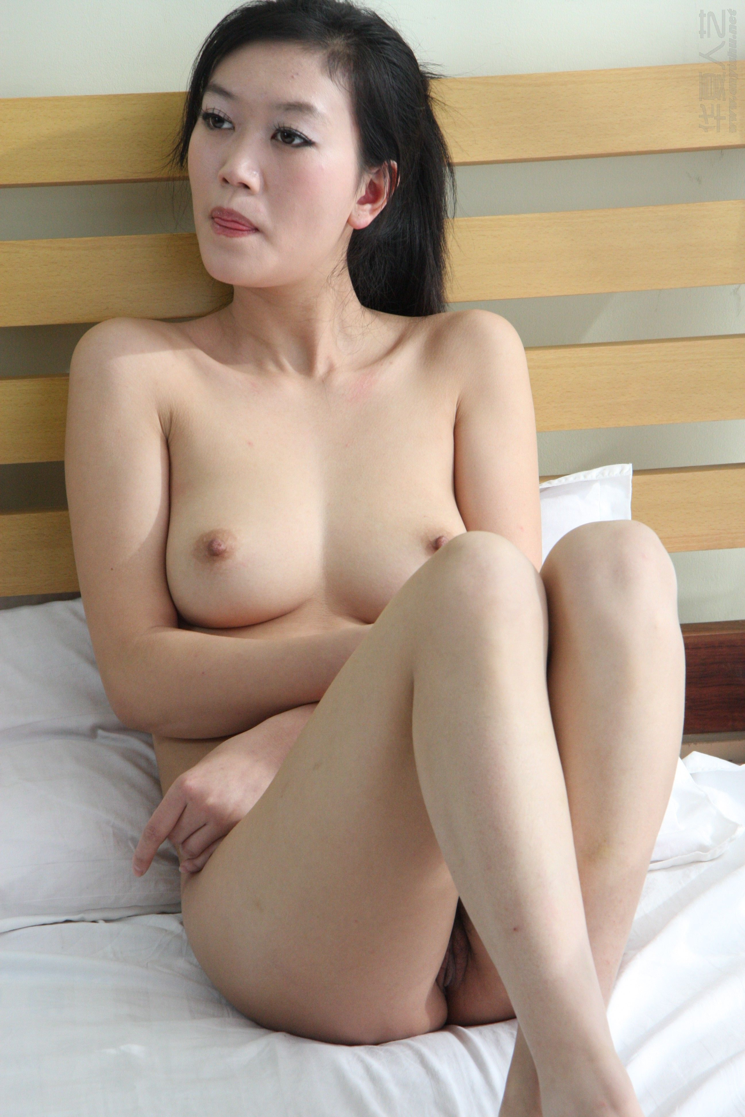 beautiful naked chinese girls
