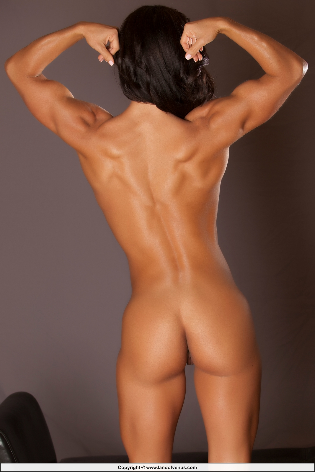 Nudes fitness Fit Young