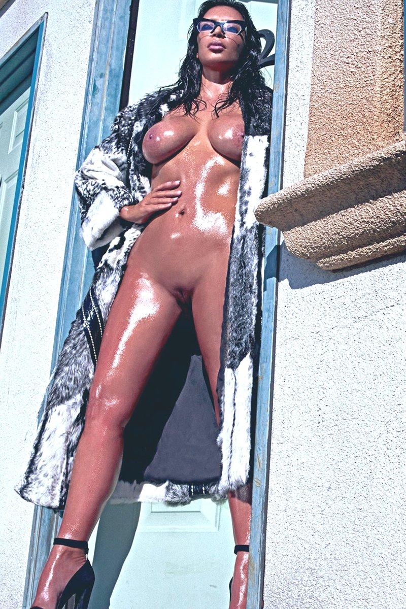 Kim kardashian free nude pic
